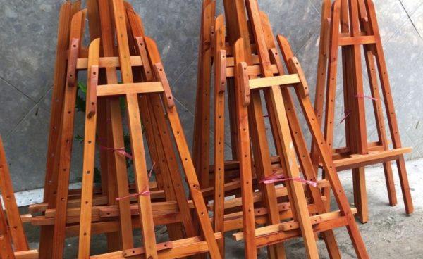 Giá treo tranh gỗ, Standee gỗ treo tranh